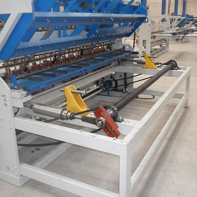 Reinforcement wire mesh welding machine