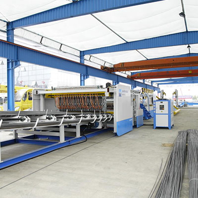 Fully automatic reinforcing wire mesh welding production line