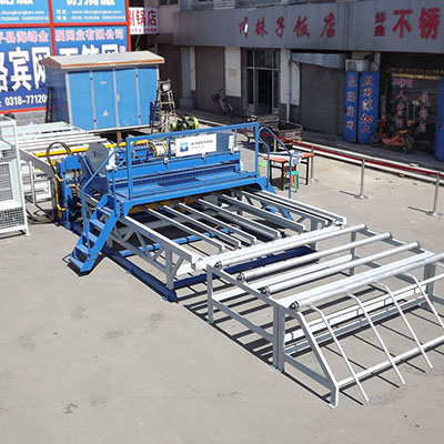 China efficient reinforcing steel mesh welding machine