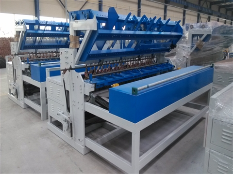 Building mesh welding machine